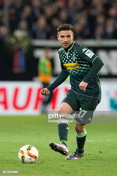 Julian Korb of Borussia Moenchengladbach controls the ball during the Bundesliga match between 1 FSV Mainz 05 and Borussia Moenchengladbach at...