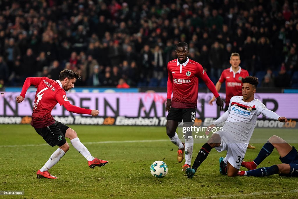 Julian Korb #4 of Hannover 96 scores a goal to make it 4-4 during the Bundesliga match between Hannover 96 and Bayer 04 Leverkusen at HDI-Arena on December 17, 2017 in Hanover, Germany.