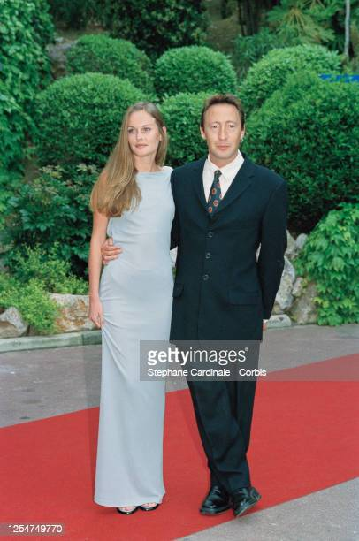 Julian Lennon with his wife Olivia d'Abo at World Music Awards evening.