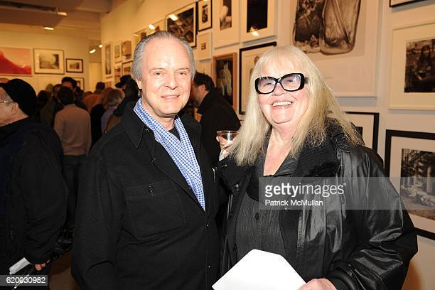 Julian Lethbridge and Jan Hashey attend Photographic Works to Benefit the Foundation for Contemporary Arts at Cohan Leslie on December 11 2008 in New...