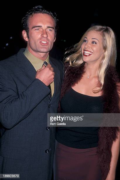 Julian McMahon and Brooke Burns at the Premiere of 'Pleasantville' Mann National Theater Westwood