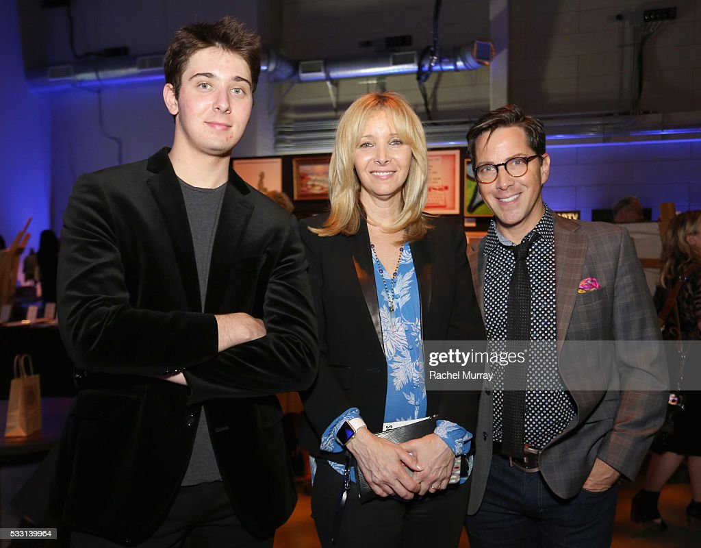 Julian Murray Stern, actors Lisa Kudrow and Dan Bucatinsky attend the pARTy! - celebrating 25 years of P.S. ARTS on May 20, 2016 in Los Angeles, California.