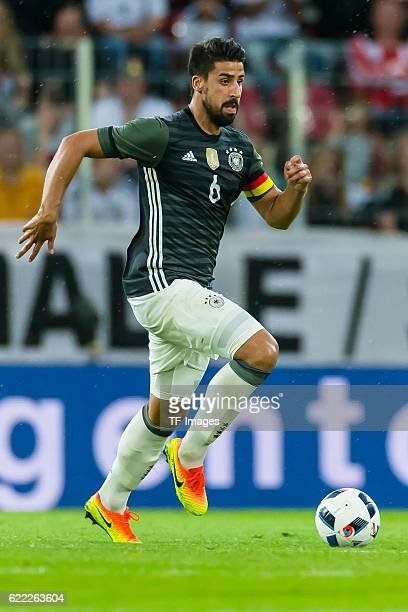 Sonntag Laenderspiel in Augsburg Deutschland Slowakei 13 Julian Sami Khedia