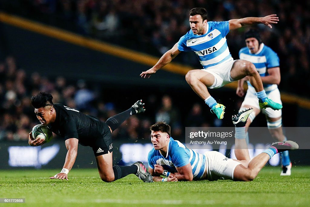 Julian Savea of New Zealand charges through Facundo Isa and Martin Landajo of Argentina during the Rugby Championship match between the New Zealand All Blacks and Argentina at Waikato Stadium on September 10, 2016 in Hamilton, New Zealand.