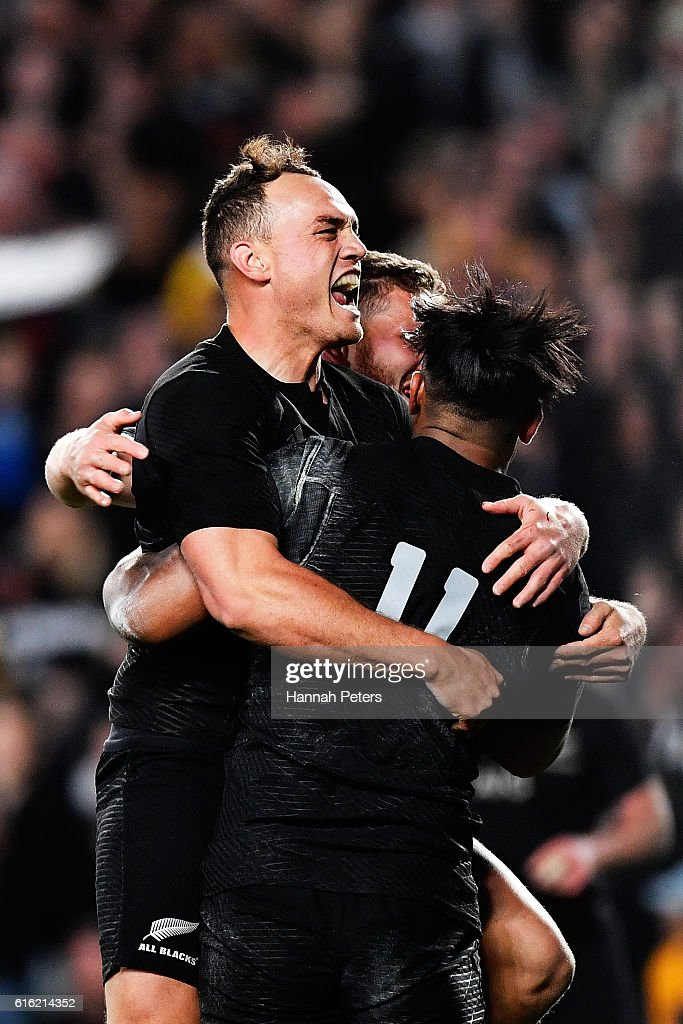 Julian Savea of the All Blacks celebrates after scoring his second try with Israel Dagg of the All Blacks during the Bledisloe Cup Rugby Championship match between the New Zealand All Blacks and the Australia Wallabies at Eden Park on October 22, 2016 in Auckland, New Zealand.