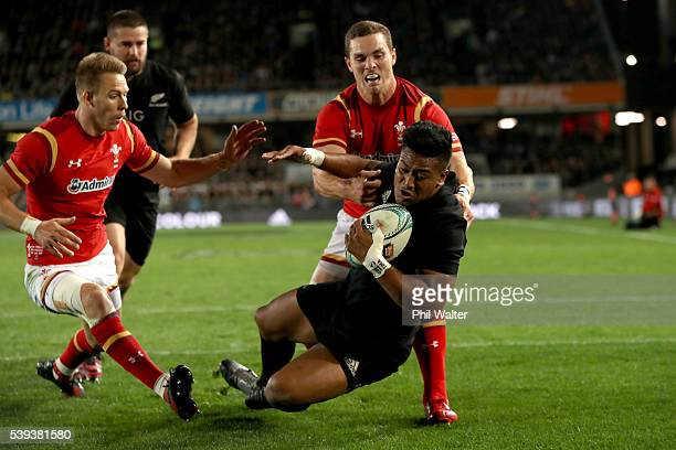 Julian Savea of the All Blacks scores a try during the International Test match between the New Zealand All Blacks and Wales at Eden Park on June 11...