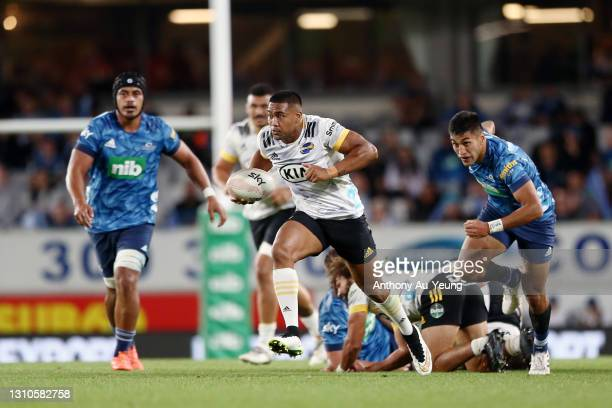Julian Savea of the Hurricanes makes a break during the round 6 Super Rugby Aotearoa match between the Blues and the Hurricanes at Eden Park, on...