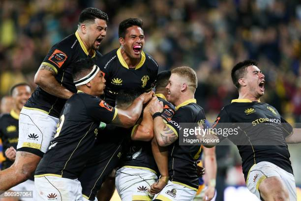 Julian Savea of Wellington celebrates with teammates after scoring a try during the Mitre 10 Cup Championship Final match between Wellington and Bay...