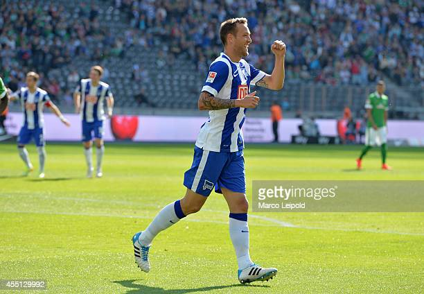 Julian Schieber of Hertha BSC celebrates after scoring the 20 during the Bundesliga match between Hertha BSC and Werder Bremen on august 23 2014 in...