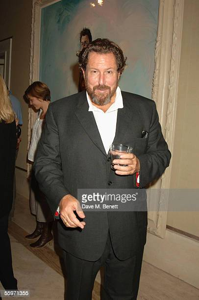 Julian Schnabel attends the private view for Julian Schnabel's Pintura Del Figlo XXI his first show in 6 years at 38 Dover Street on October 19 2005...