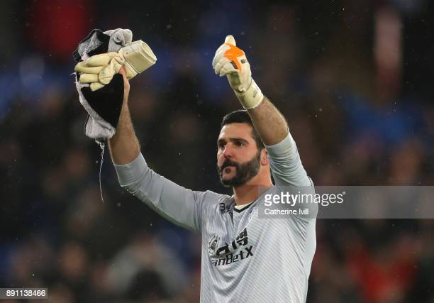 Julian Speroni of Crystal Palace celebrates after the Premier League match between Crystal Palace and Watford at Selhurst Park on December 12 2017 in...