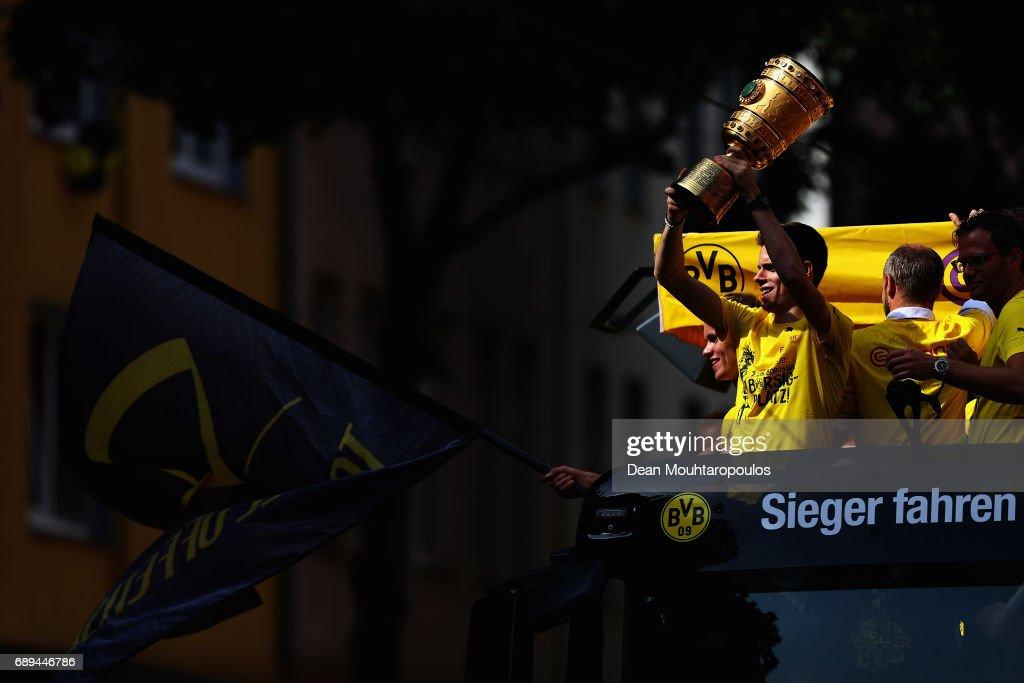 Borussia Dortmund Celebrates Winning The DFB Cup 2017 : Foto di attualità