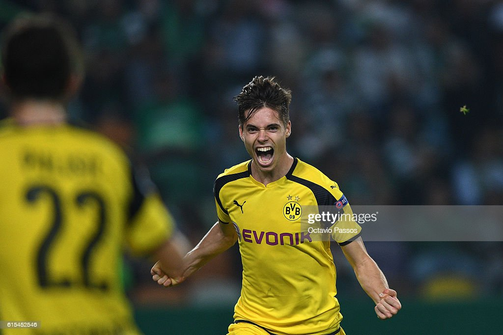 Julian Weigl of Borussia Dortmund celebrates after scores a goal against SC Sporting during the UEFA Champions League match between SC Sporting and Borussia Dortmund at Estadio Jose Alvalade on October 18, 2016 in Lisbon, Lisboa.