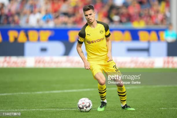 Julian Weigl of Borussia Dortmund in action during the Bundesliga match between SportClub Freiburg and Borussia Dortmund at SchwarzwaldStadion on...