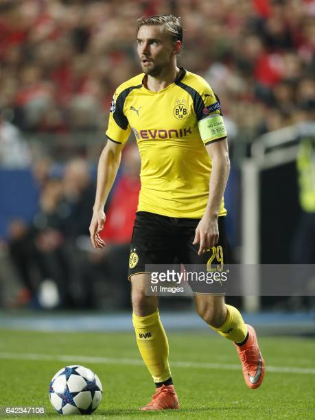 Julian Weigl of Borussia Dortmundduring the UEFA Champions League round of 16 match between SL Benfica and Borussia Dortmund on February 14 2017 at...