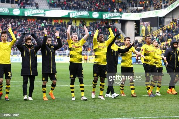 Julian Weigl of Dortmund Raphael Guerreiro of Dortmund Christian Pulisic of Dortmund Andre Schuerrle of Dortmund Michy Batshuayi of Dortmund Oemer...