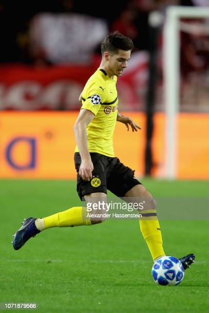Julian Weigl of Dortmund runs with the ball during the UEFA Champions League Group A match between AS Monaco and Borussia Dortmund at Stade Louis II...