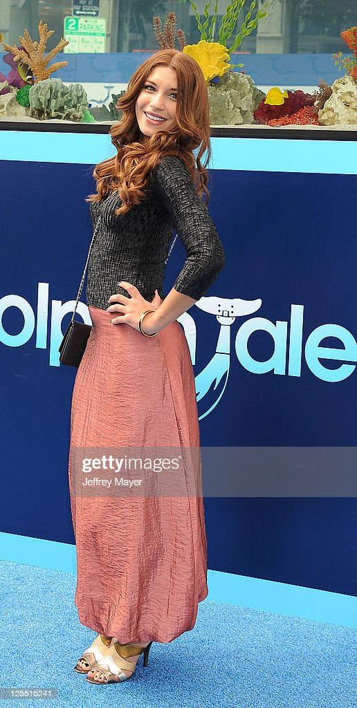 'Dolphin Tale' Los Angeles Premiere - Arrivals : News Photo