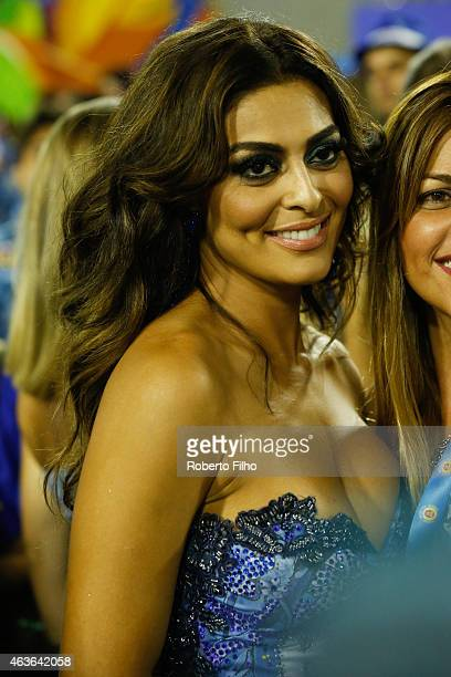 Juliana Paes attends the Carnival parade on the Sambodromo during Rio Carnival on February 16 2015 in Rio de Janeiro Brazil