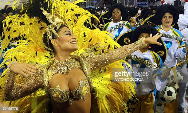 Juliana Paes Queen of the Drums of Unidos de Viradouro samba school performs at the Sambodrome during the first night of carnival celebrations in Rio...