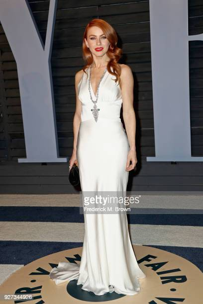 Julianne Hough attends the 2018 Vanity Fair Oscar Party hosted by Radhika Jones at Wallis Annenberg Center for the Performing Arts on March 4 2018 in...