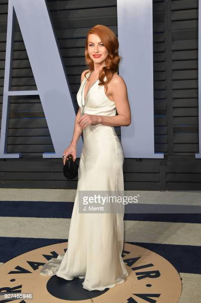 Julianne Hough attends the 2018 Vanity Fair Oscar Party hosted by Radhika Jones at the Wallis Annenberg Center for the Performing Arts on March 4...