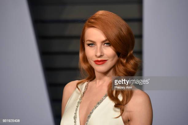 Julianne Hough attends the 2018 Vanity Fair Oscar Party Hosted By Radhika Jones Arrivals at Wallis Annenberg Center for the Performing Arts on March...