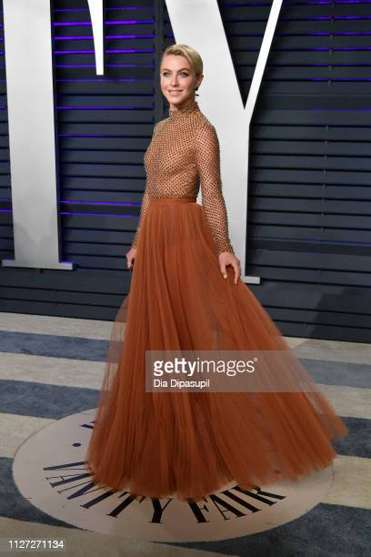 Julianne Hough attends the 2019 Vanity Fair Oscar Party hosted by Radhika Jones at Wallis Annenberg Center for the Performing Arts on February 24...
