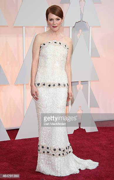 Julianne Moore arrives at the 87th Annual Academy Awards at Hollywood & Highland Center on February 22, 2015 in Los Angeles, California.