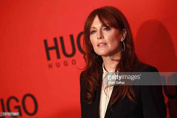 Julianne Moore arrives at the Hugo by Hugo Boss Autumn/Winter 2012 fashion show during MercedesBenz Fashion Week Berlin at Gemaldegalerie on January...