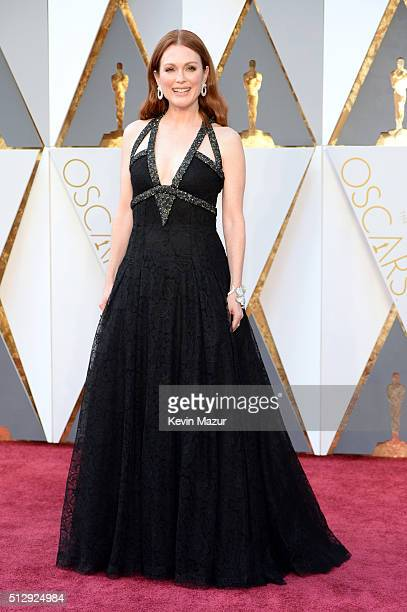 Julianne Moore attends the 88th Annual Academy Awards at Hollywood Highland Center on February 28 2016 in Hollywood California