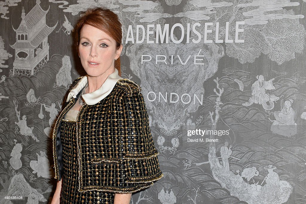 Julianne Moore attends the Mademoiselle Prive Exhibition at the Saatchi Gallery on October 12, 2015 in London, England.