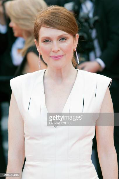 Julianne Moore attends the 'Money Monster' premiere during the 69th annual Cannes Film Festival at the Palais des Festivals on May 12, 2016 in...