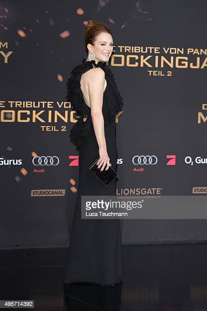 Julianne Moore attends the world premiere of the film 'The Hunger Games: Mockingjay - Part 2' at CineStar on November 4, 2015 in Berlin, Germany.