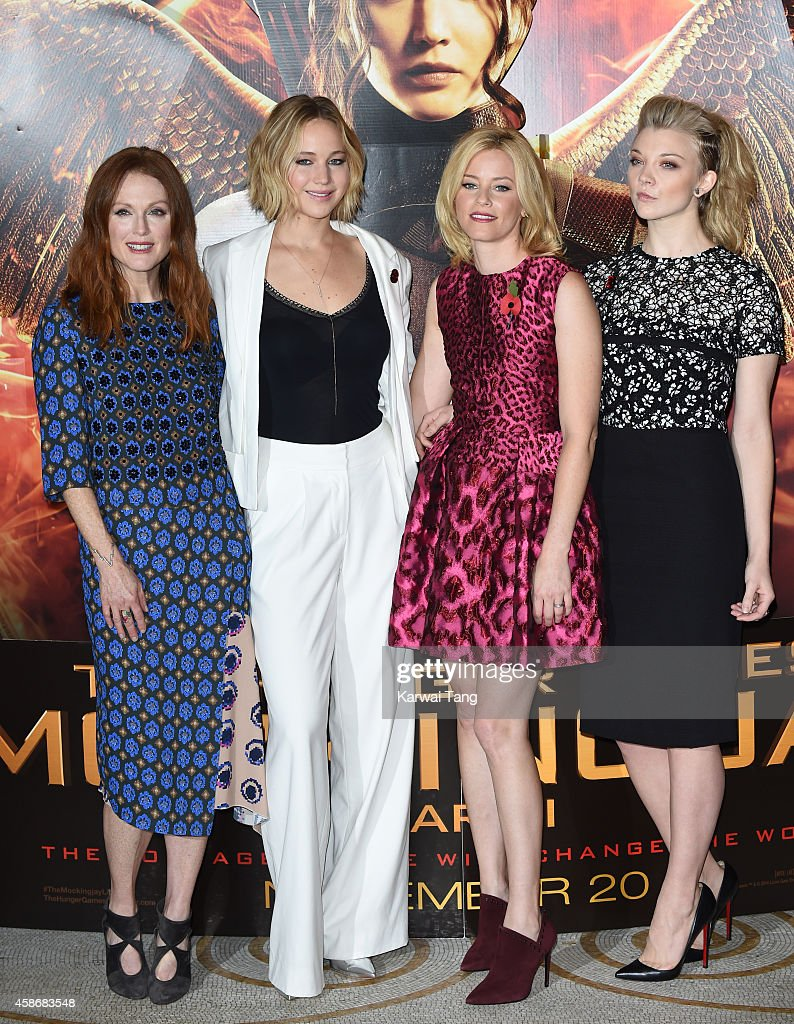 """The Hunger Games: Mockingjay Part 1"" - Photocall : News Photo"