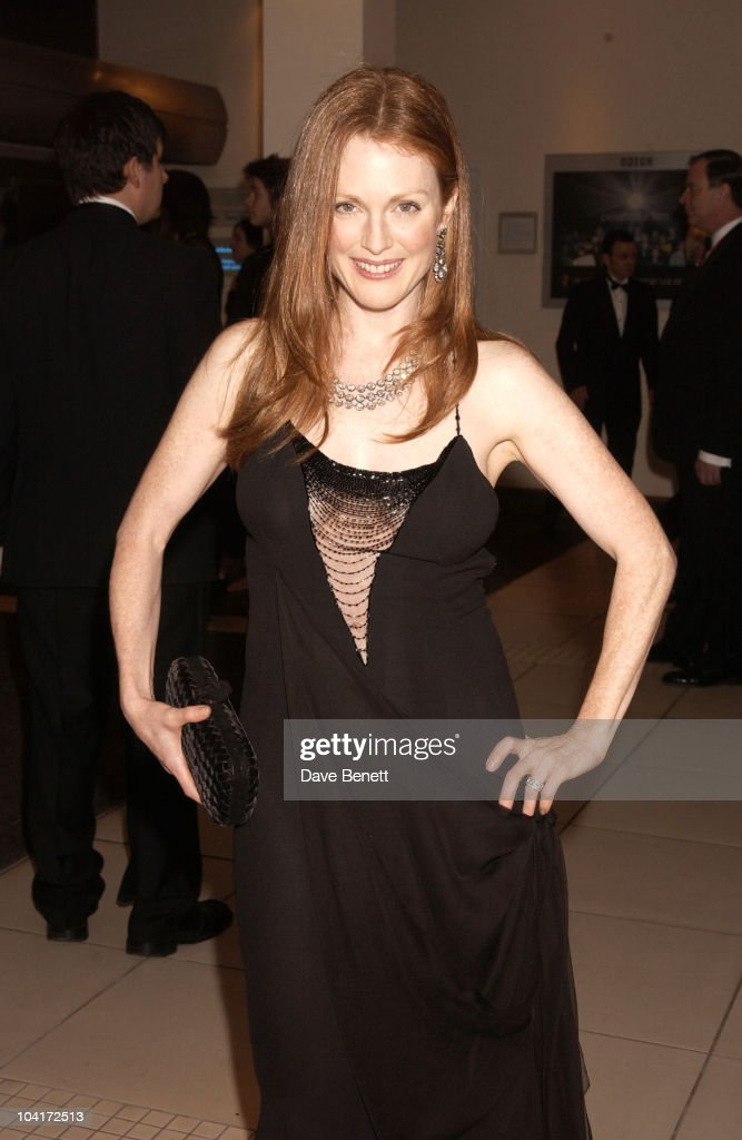 Julianne Moore, The Orange British Academy Film Awards 2003 (bafta), At The Odeon Leicester Square, London