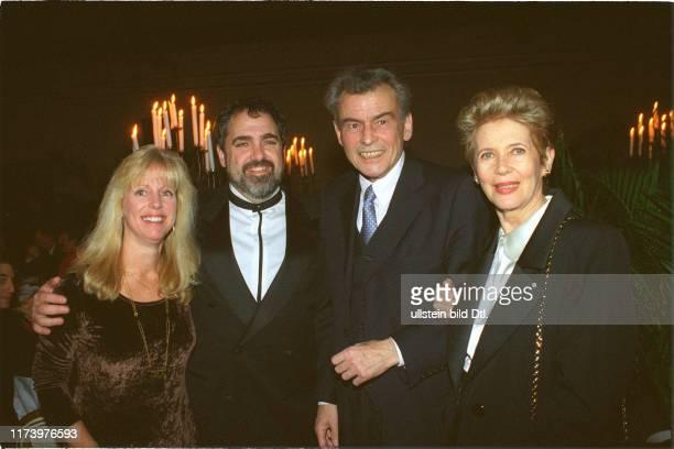 Julie and Jon Landau Horst and Myriam Buchholz 1999