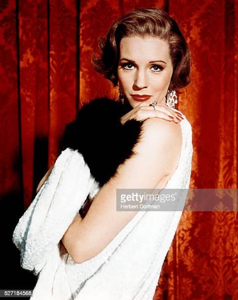 Julie Andrews in Flapper Fashion