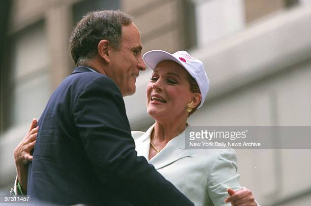 Julie Andrews welcomes Mayor Rudy Giuliani at Broadway on Broadway celebration in Times Square