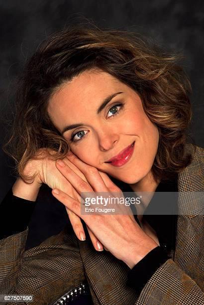 Julie Andrieu on the set of TV show Piques et Polemiques
