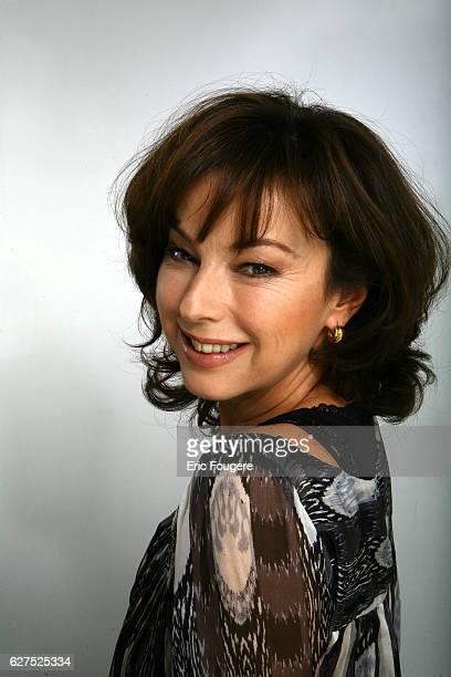 Julie Arnold on the set of TV show Les Grands du Rire