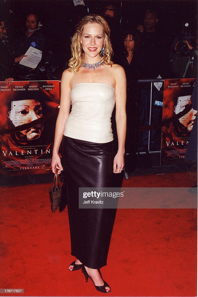 Julie Benz During Valentine Premiere In Hollywood California United States