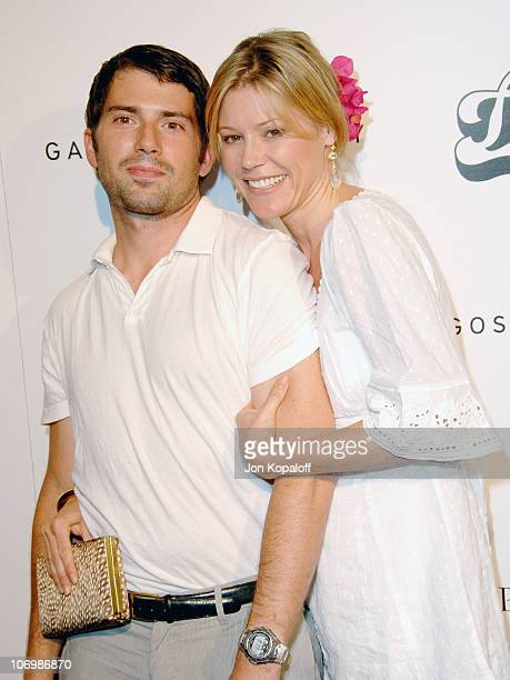 Julie Bowen and husband Scott Phillips during Hollywood and Fashion Unite for The Inaugural Kid Art Event A Benefit for PS Arts June 1 2006 at LoFi...