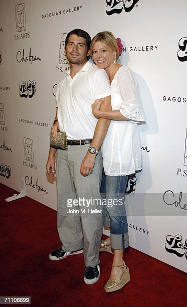 Julie Bowen and Scott Phillips arrive at the Inagural Benefit For PS Arts at LoFi on June 1 2006 in Los Angeles California