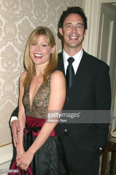 Julie Bowen and Tom Cavanaugh stars of the TV show Ed