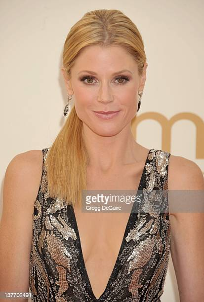 Julie Bowen arrives at the Academy of Television Arts Sciences 63rd Primetime Emmy Awards at Nokia Theatre LA Live on September 18 2011 in Los...