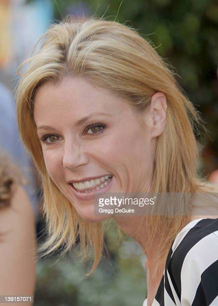 Julie Bowen arrives at the Los Angeles Premiere of The Lion King 3D at the El Capitan Theatre on August 27 2011 in Hollywood California