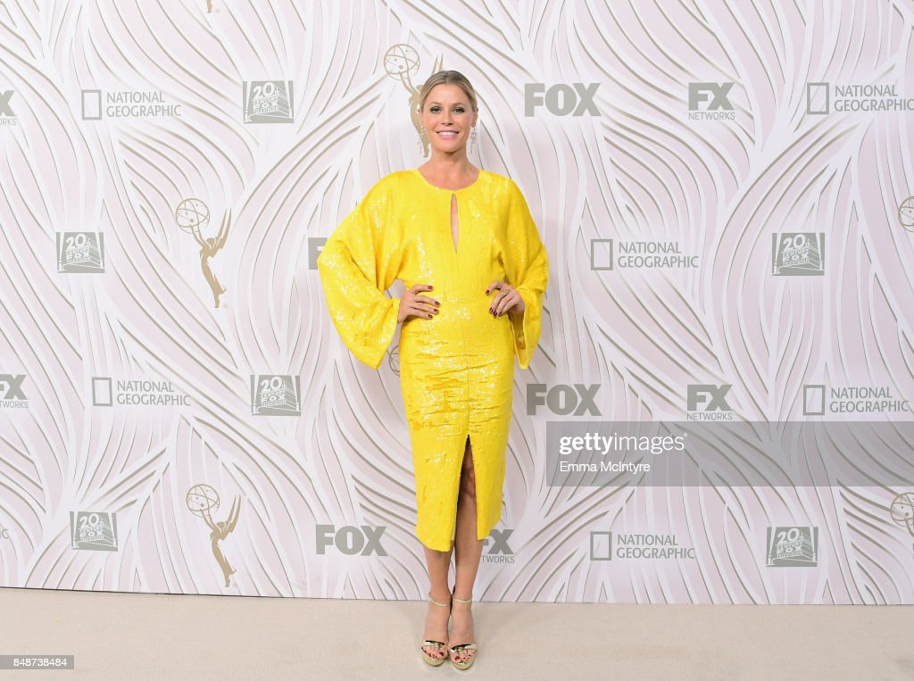 Julie Bowen attends FOX Broadcasting Company, Twentieth Century Fox Television, FX And National Geographic 69th Primetime Emmy Awards After Party at Vibiana on September 17, 2017 in Los Angeles, California.