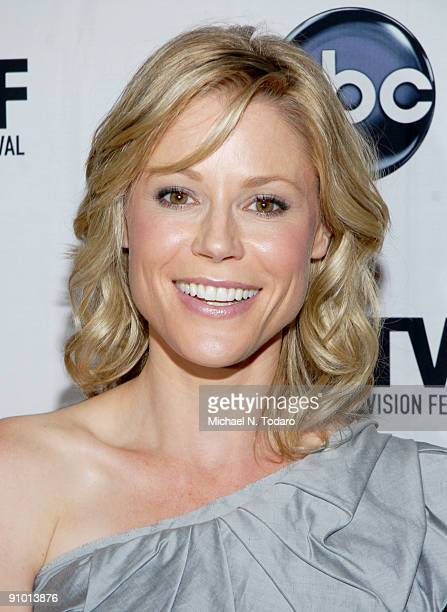 Julie Bowen attends the 2009 New York Television Festival screenings of Modern Family and Cougar Town at TheTimesCenter on September 21 2009 in New...