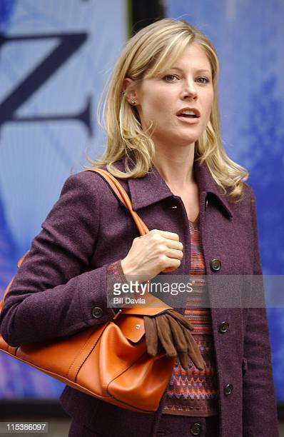 Julie Bowen during Julie Bowen on the Set of 'Ed' September 8 2003 at On Location in New York City New York United States